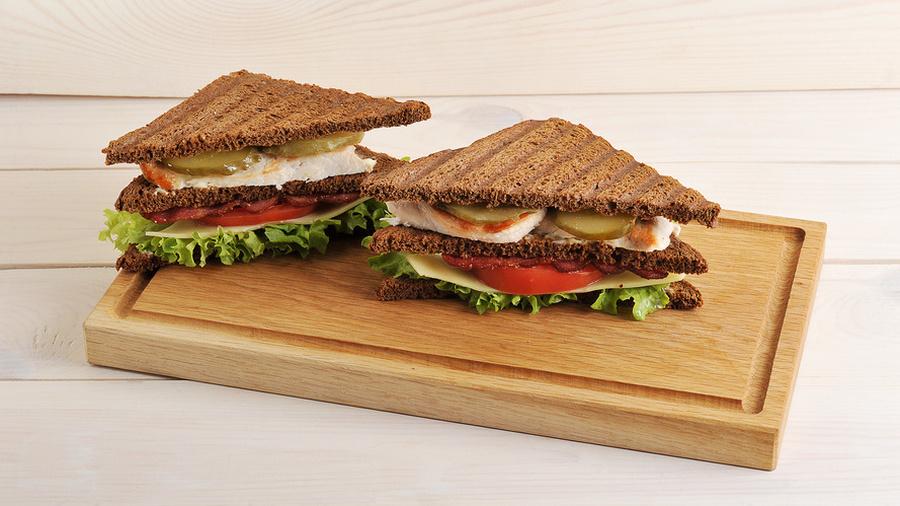 Что скрывает бутерброд?