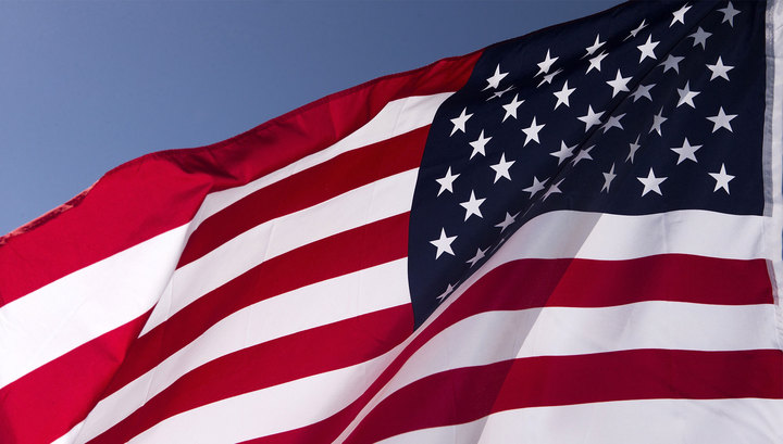 """Западные СМИ о российских """"антисанкциях"""": москвичи вытирают ноги о флаг США"""