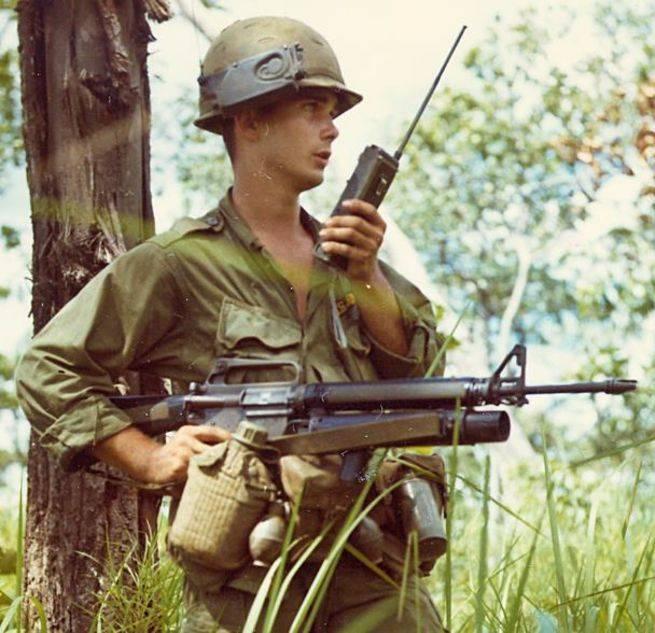 Подствольный гранатомёт XM148. Первый в своём роде