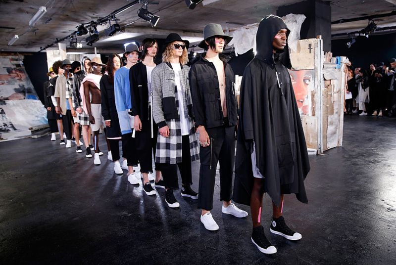 Странные наряды Недели мужской моды в Лондоне