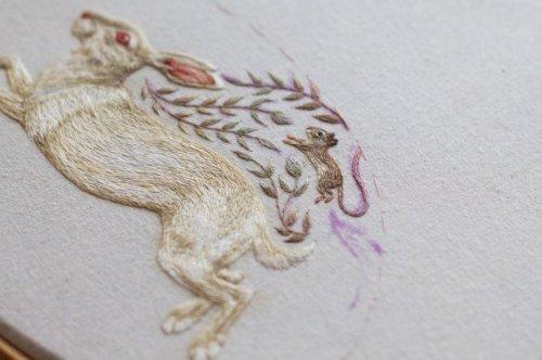 Новые крошечные животные, вышитые Хлоей Джордано (10 фото)