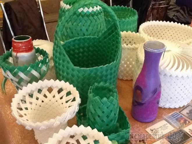 Нарежьте пластиковую бутылку на полоски и сделайте практичную вещь для дома и дачи