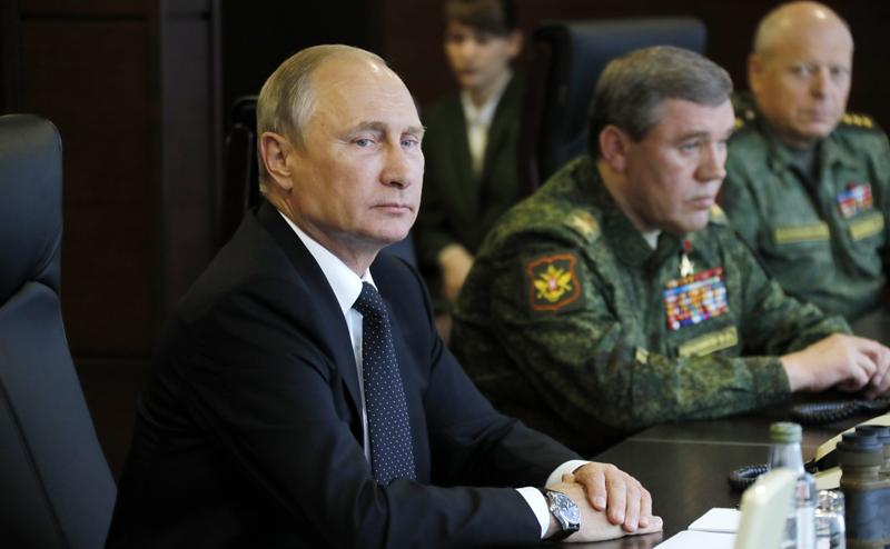 Пятая колонна испугалась сильной России