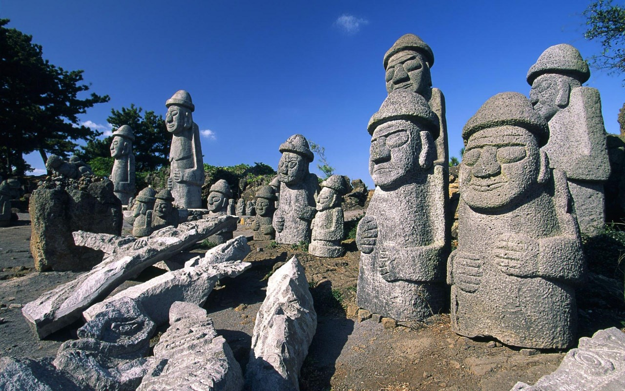 an overview of the popular island of fantasy the cheju island