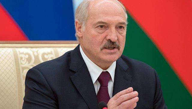 """""""Мужики, лучше беднее, но на свободе"""": Лукашенко предостерег чиновников"""