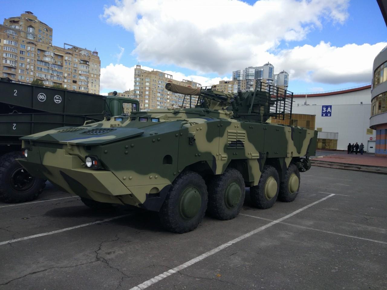 Новый вариант украинского бронетранспортера БТР-4