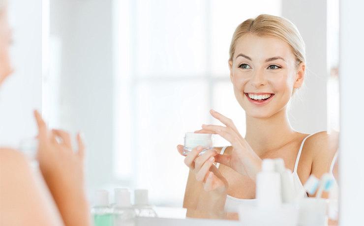 Ученые объясняют 7 вещей, которые происходят с вашим телом, когда вы перестаете наносить макияж