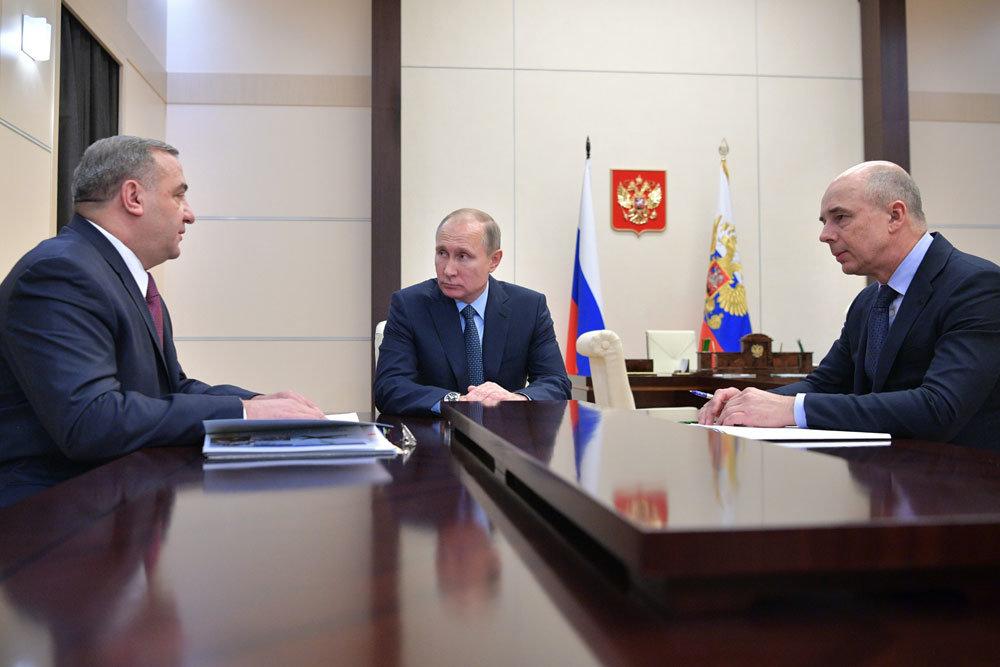 Президент обсудил гидроэнергетику и гособоронзаказ