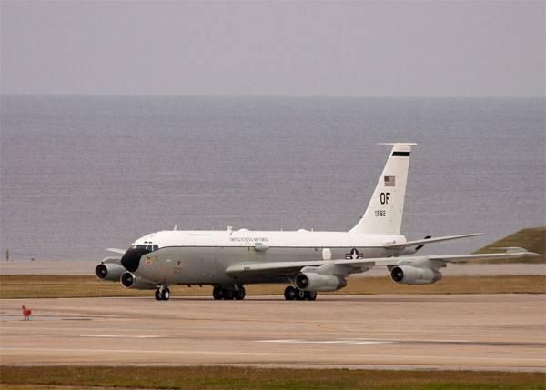 Су-30 ВВС Китая осуществляли перехват американского WC-135 Constant Phoenix