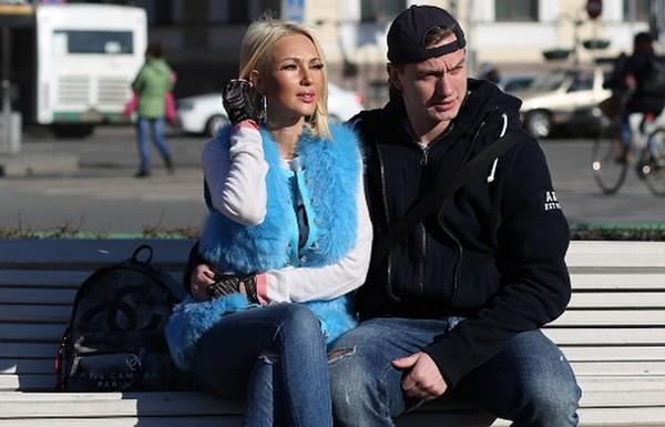 Леру Кудрявцеву от старости спасает молодой муж