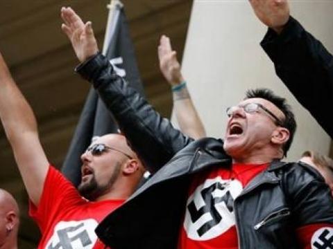 Нацизм вновь объявил России войну