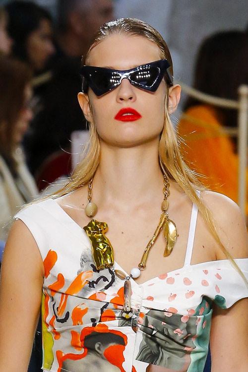 Солнцезащитные очки в треугольной оправе от Marni для сезона весна-лето 2019