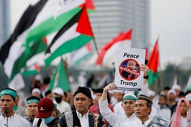 В Индонезии 80 тысяч человек протестуют против решения Трампа по Иерусалиму