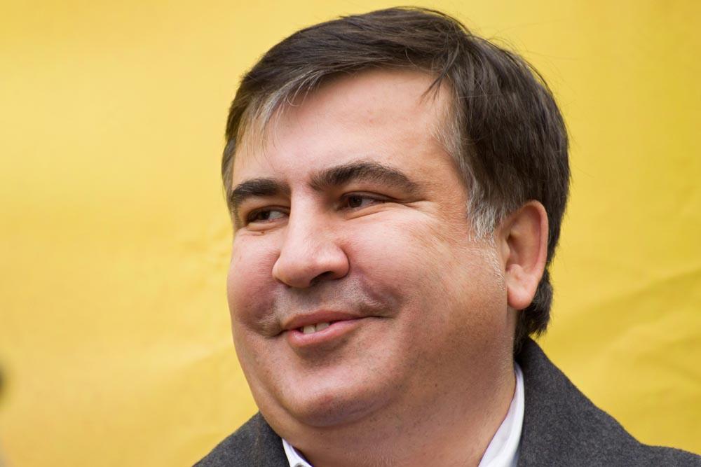 Саакашвили атакует или имитация народовластия?