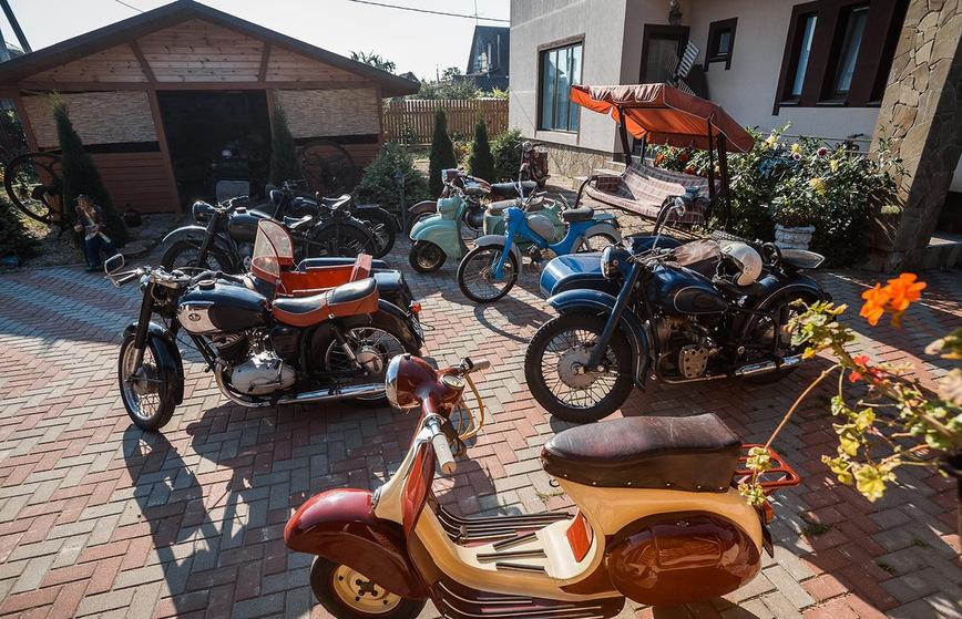 Житель Беларуси собрал в коллекцию более 40 советских мотоциклов