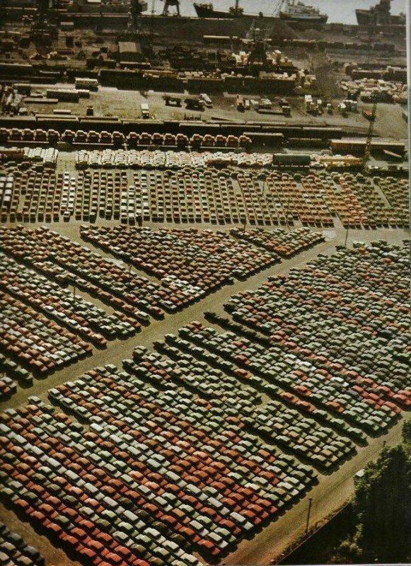 Экспортные автомобили ждут погрузки в порту, 1983 год, Рига история, люди, мир, фото