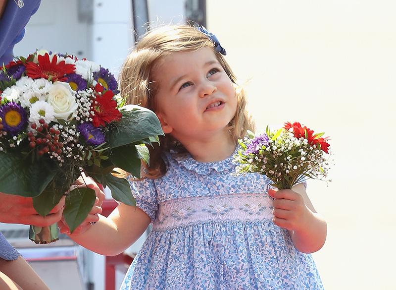 Удивительное сходство: подросшая принцесса Шарлотта становится все больше похожей на отца