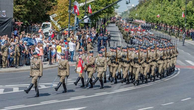 Польша празднует столетнюю независимость и победу над большевиками