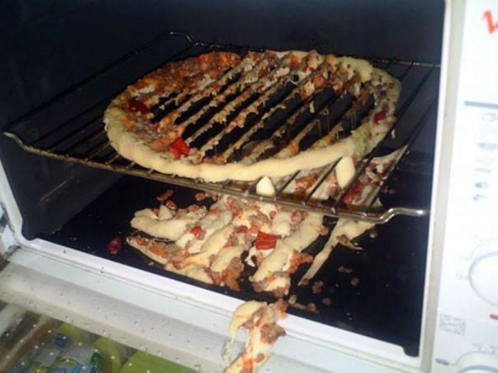 «Эх, хорошая могла бы быть пицца!» | Фото: Ридус.