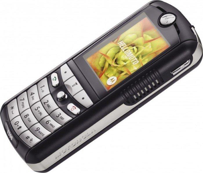 15 легендарных телефонов начала 2000-х