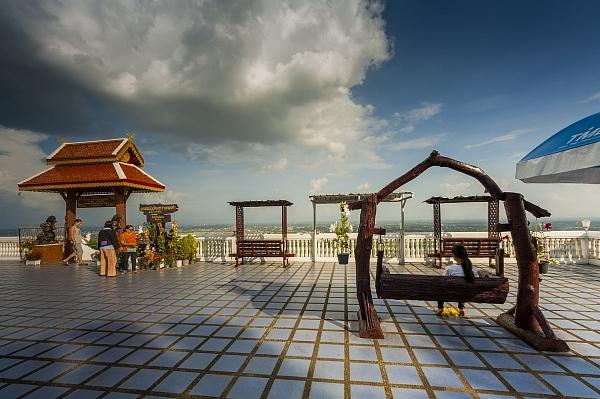 Храм Ват Дой Кхам в Чиангмае…