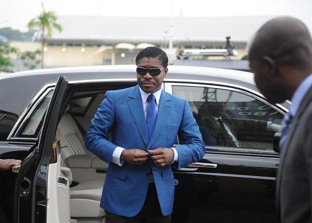 У сына президента Экваториальной Гвинеи изъяли в аэропорту два чемодана с драгоценностями и наличкой