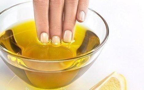 Против ломающихся ногтей помогут лимон и масло