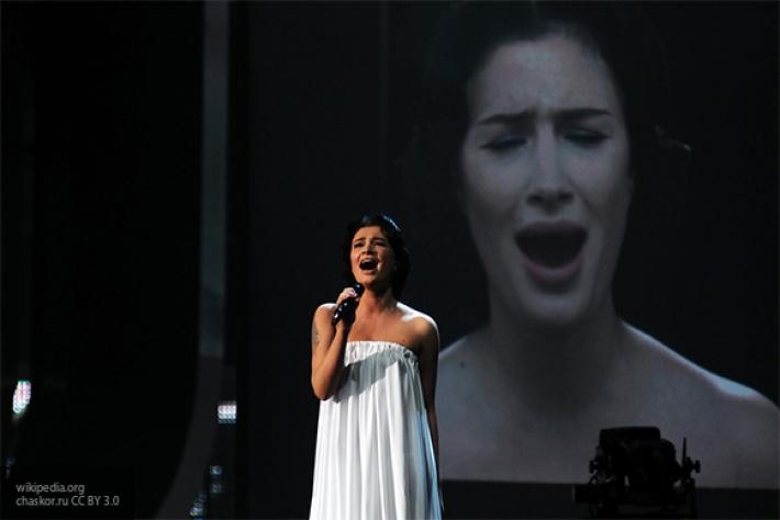 Певица Анастасия Приходько заявила, что ее обманом заставили сняться в предвыборном ролике Порошенко