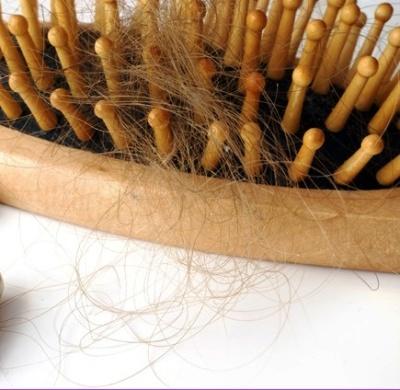 10 причин, почему выпадают волосы, и как это остановить