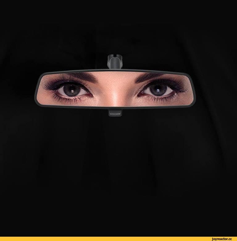 Реклама Ford в Саудовской Аравии после того, как местный король разрешил женщинам выдавать водительские права.