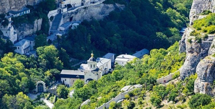 Иностранцы едут на отдых в Кубань, Крым и Байкал