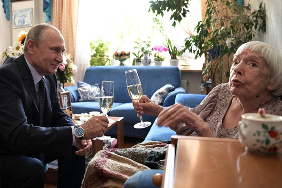 Чем Людмила Алексеева лучше Брилёва? Неужели гражданством США, как Познер?