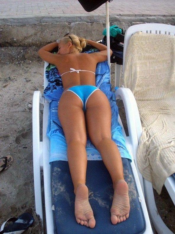 Фоточастное женских кисок на пляже 20 фотография