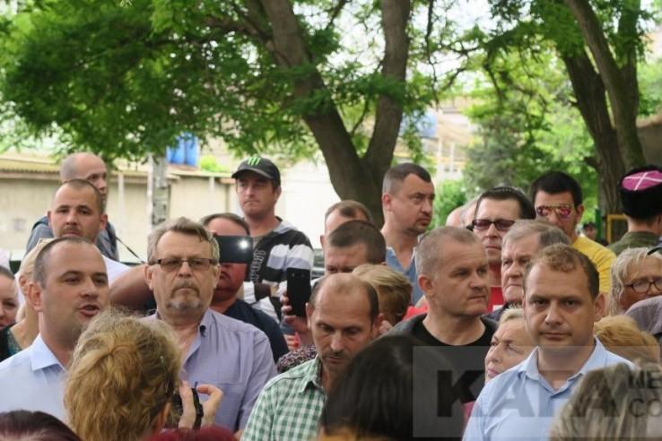 Феодосийцы требуют не застра…