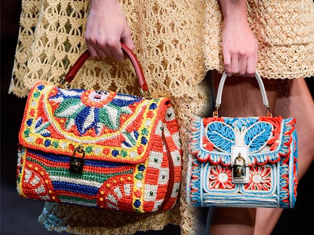 Оригинальные сумки, связанные спицами