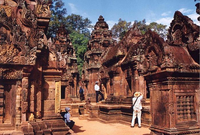 Храм Бантеайсрей: Цитадель Женщины (Камбоджа)