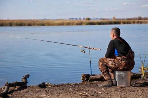 В чем идти на рыбалку весной?
