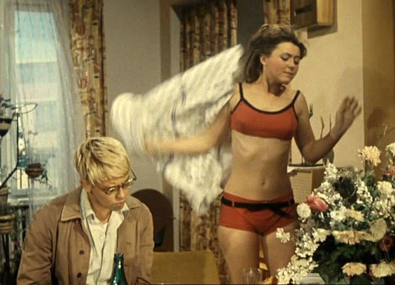 swimsuit16 Ретрошик: 20 легендарных купальников из кино