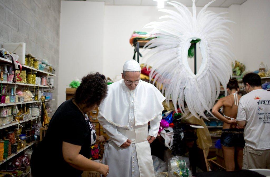 Горячее аргентинское шоу в честь Папы Римского-10