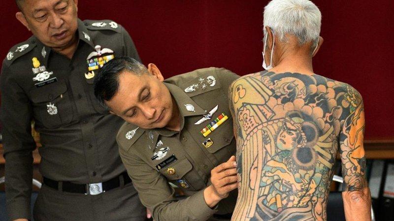 Лидера преступной группировки якудза удалось поймать благодаря вирусным фотографиям из соцсетей в мире, люди, преступник, социальная сеть, якудза