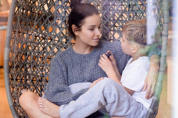 Ирена Понарошку готовит сына к появлению второго ребенка