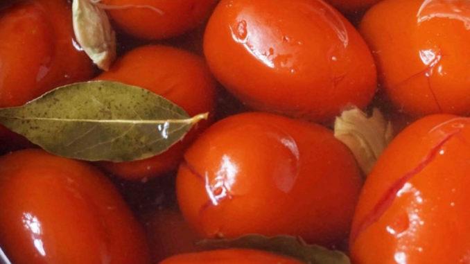 Полезны ли маринованные помидоры?