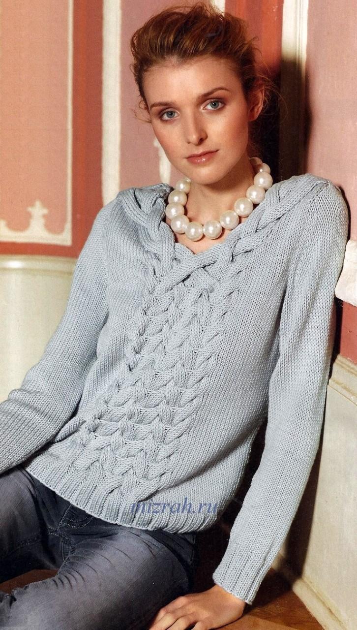 Нежный пуловер с необычной косой