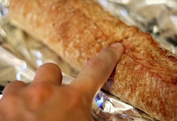проверка мягкости хлеба