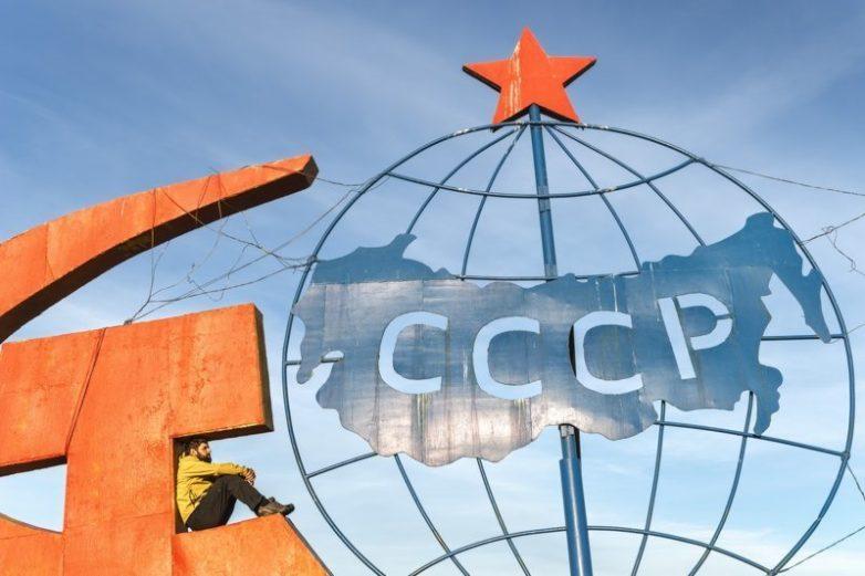 Следы более развитой цивилизации: мозаики, барельефы и витражи из СССР