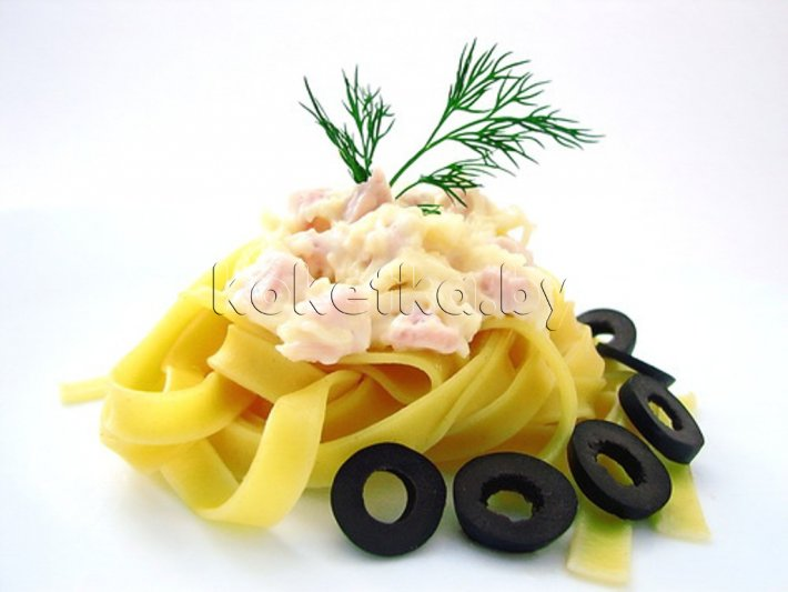 Салат с ветчиной и сыром