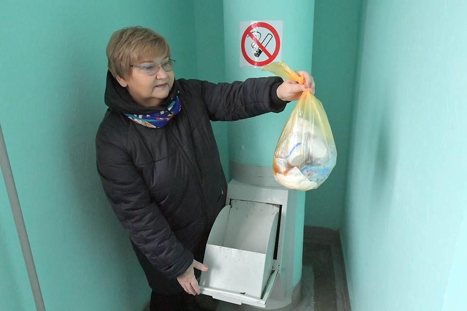 В России заварят все мусоропроводы, охают бабушки на скамейке, наслушавшись новостей от детей и внуков.