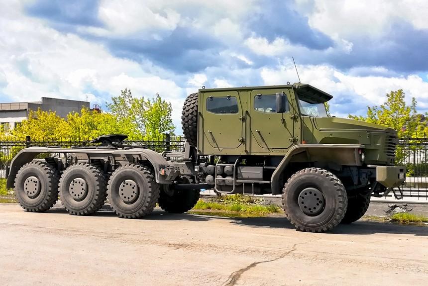 Некоторые подробности о седельном тягаче-танковозе УРАЛ-6308