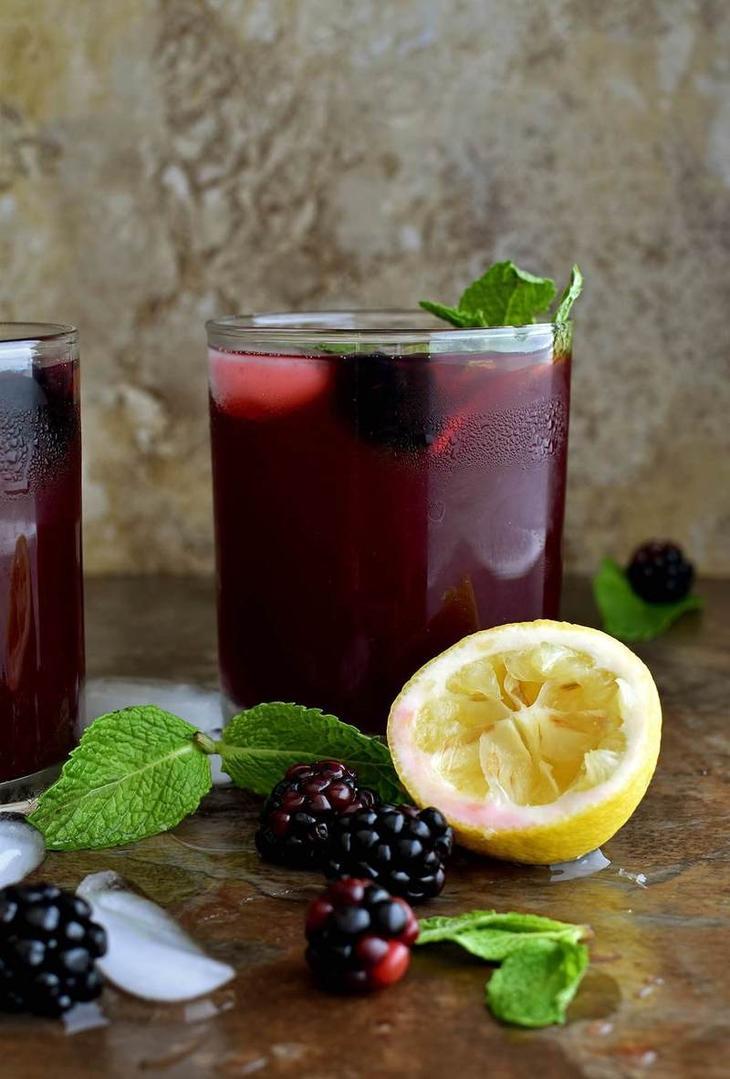 Рецепт полезного домашнего ежевичного лимонада