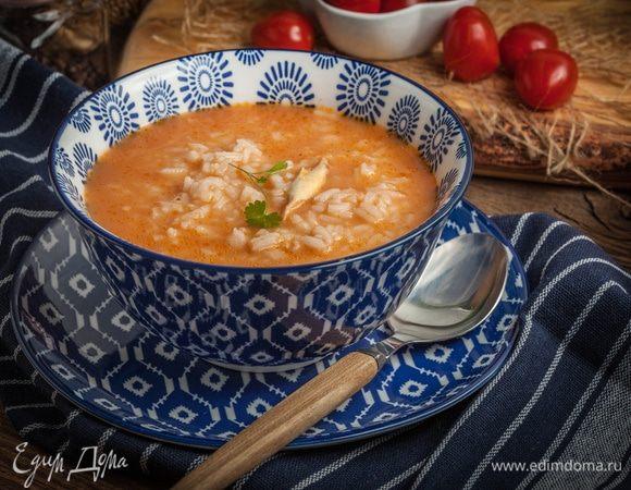 Семейный обед: готовим домашние супы с рисом